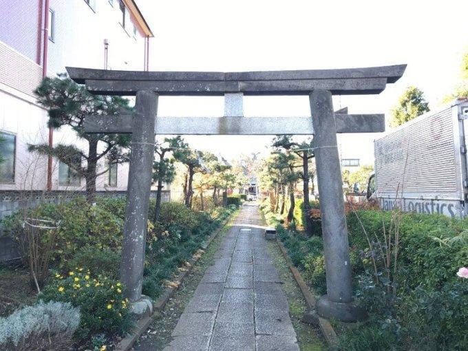 新曽氷川神社一の鳥居