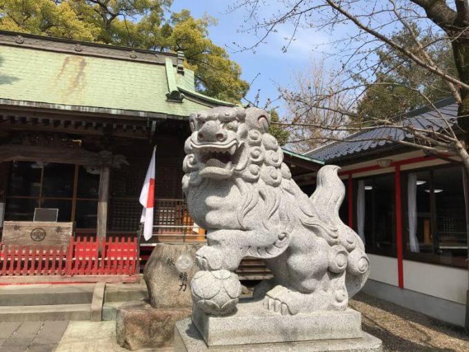 芳川神社狛犬右
