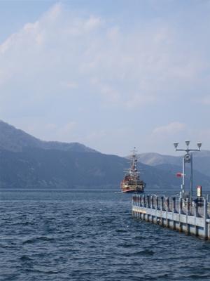 箱根芦ノ湖の海賊船