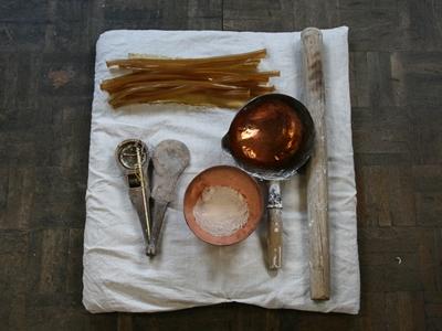 胡粉作りに使用する道具