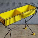 Atomic plant stand