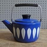 Blue Cathrineholm kettle