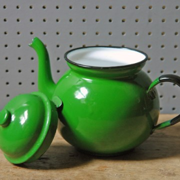 Vintage green enamel teapot | H is for Home