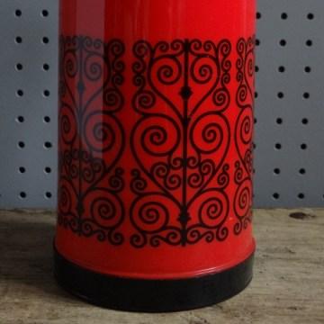 Pump-a-drink flask