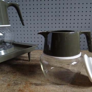 Pyrex hot beverage set