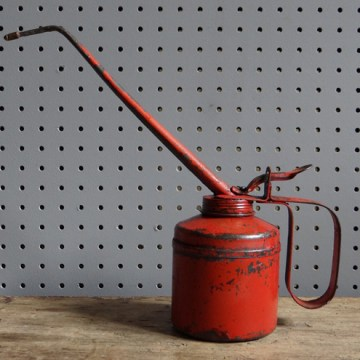 red oil can