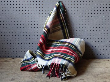 Vintage Royatex tartan blanket | H is for Home