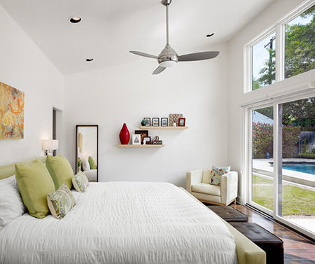 ceiling fan in a bedroom