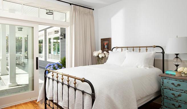 Stunning Victorian iron bed