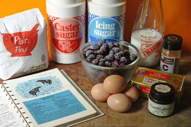 Home-made blueberry pie ingredients