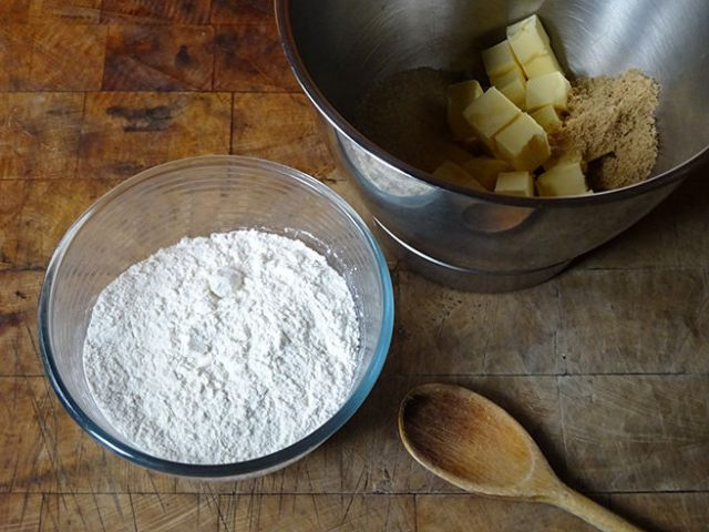 Cubed salted butter, sugars and flour