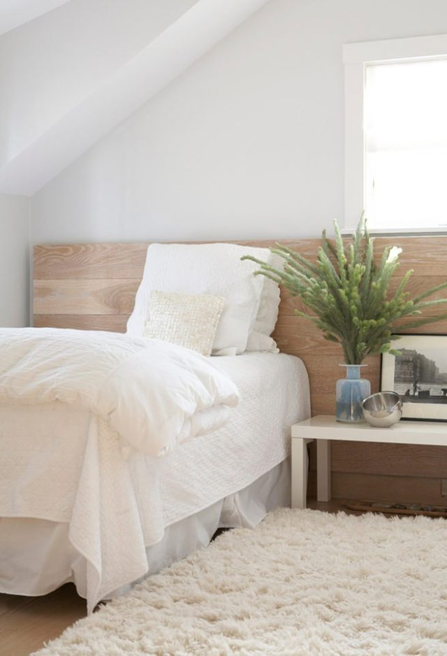Spare bedroom with fluffy cream rug