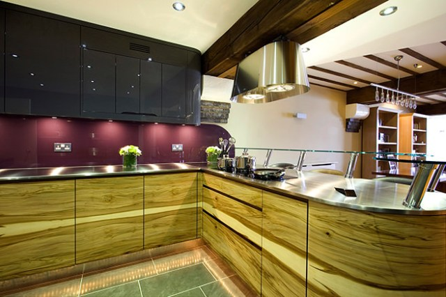 Modern kitchen with Dry Rose painted splash backs