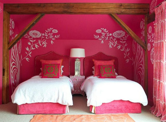 Hibiscus pink decorated twin bedroom