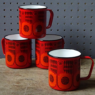 Red vintage Finel enamel mugs
