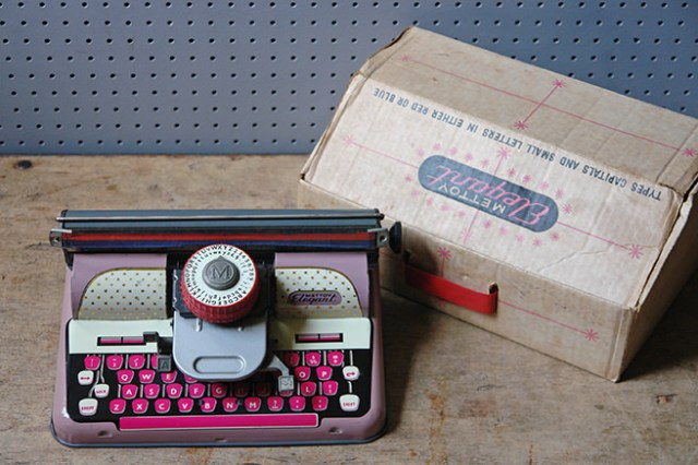 Vintage toy Mettoy Elegant typewriter with original box