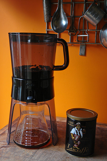 Oxo cold brew coffee maker in action