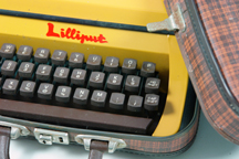 Vintage 1960s 'Lilliput' typewriter | H is for Home