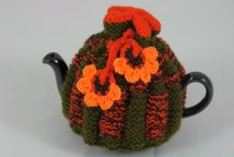 Vintage teapot with tea cosy hand-knitted from vintage wool | H is for Home