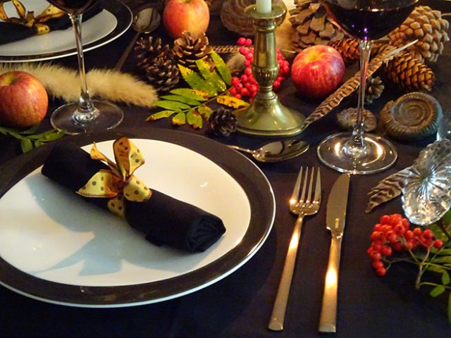Dark and dramatic autumn table setting with cutlery and plates from Wayfair | H is for Home
