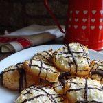 Cakes & Bakes: Coconut macaroon hearts