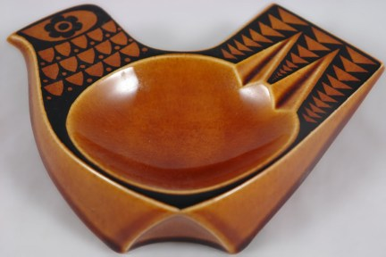 John Clappison Hornsea ashtray with hen design | H is for Home