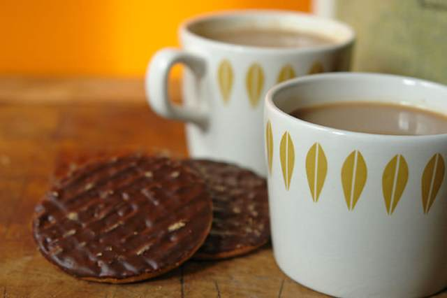 Micratex Catrina mugs with chocolate digestive biscuits | H is for Home