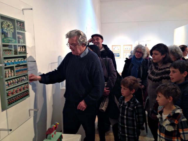 Rodney Peppé at his exhibition at the Ruthin Craft Centre, Wales - March 2013 © Echo
