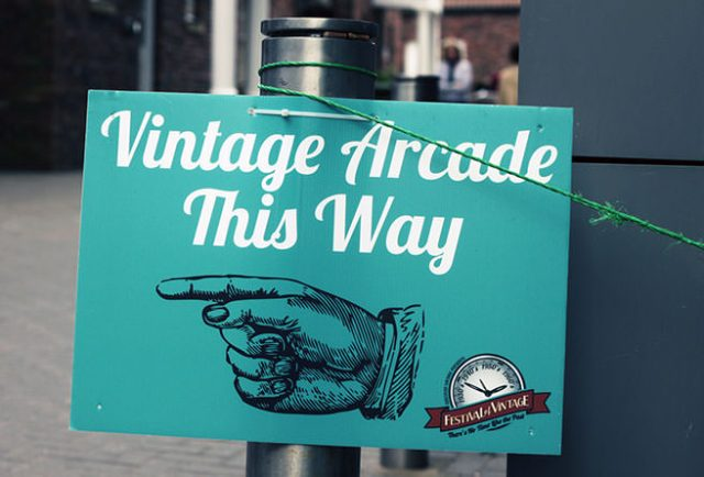 'Vintage Arcade This Way' sign