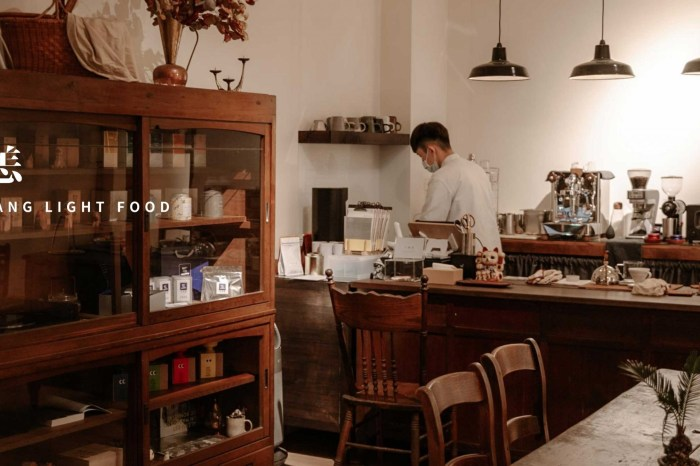 新竹美食|無恙蔬食咖啡廳 像是來到藝文展覽空間,滿足視覺與味覺的享受。