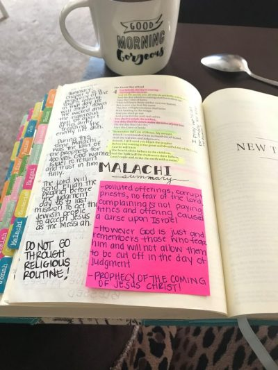 Are you looking to make Bible study note-taking fun? #hispalette #biblejournaling #creativenotetaking #ideas #art #inspiration #pictures