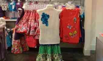 Moda infantil de verano trae vivos colores