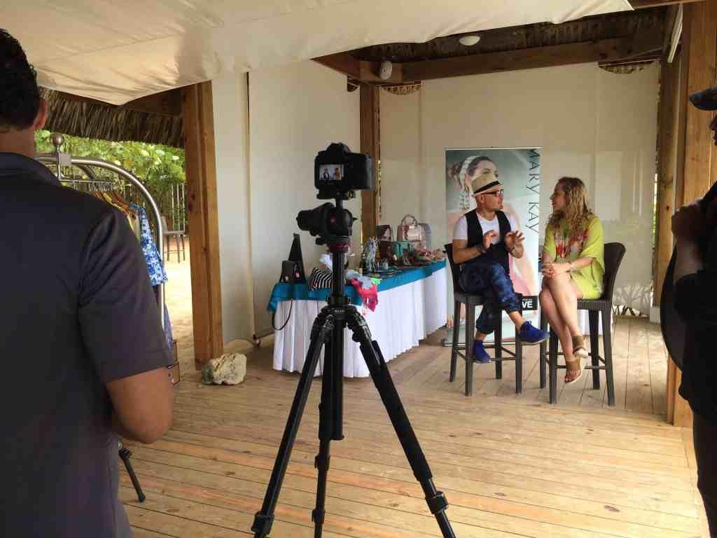 Luis Casco comparte consejos de belleza con Jeannette Kaplun