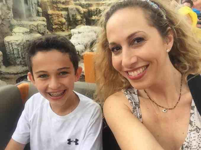 Hijo preadolescente en Walt Disney World Resort