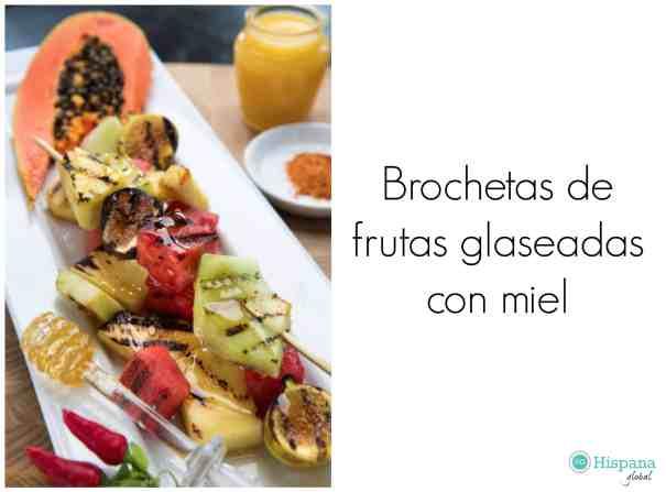 Receta de brochetas de frutas glaseadas con miel - Hispana Global