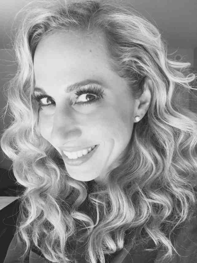 Jeannette Kaplun luce cabello sin frizz