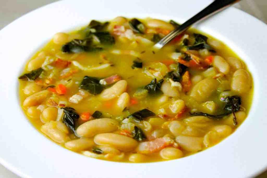 sopa de alubias con acelgas, sopas que se preparan en 30 minutos