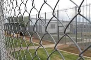 Inmigrantes detenidos sin atención médica adecuada
