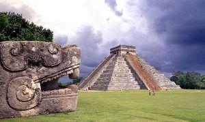 Aztek Piramidaları