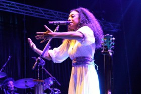 Corinne Bailey Rae 06-07-2018 (by Sara del Canto) (11)