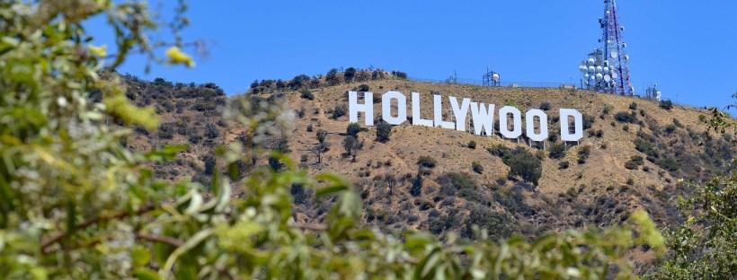 photo de la colline à Hollywood avec les fameuses lettres H O L L Y W O O D