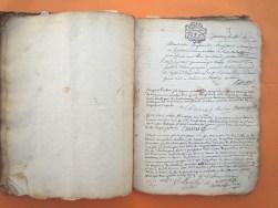 A partir de 1705, les registres se présentent sous la forme de plusieurs cahiers d'environ 20cm x 26cm ; sommairement reliés
