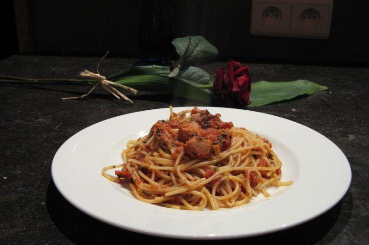 spaghettis au thon et à la tomate