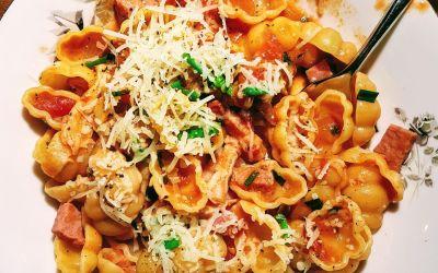 Gnocchis au saucisson et tomates