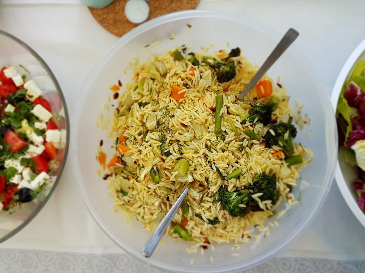 salade d'orzo aux légumes grillés