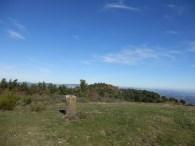 Col de Vente Fride sud du point le plus haut de la commune. Borne 203 engravé limite du territoire de Sournia. Novembre 2015.