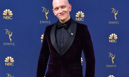 Biografía de Anthony Carrigan