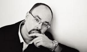 Biografía de Carlos Ruiz Zafón