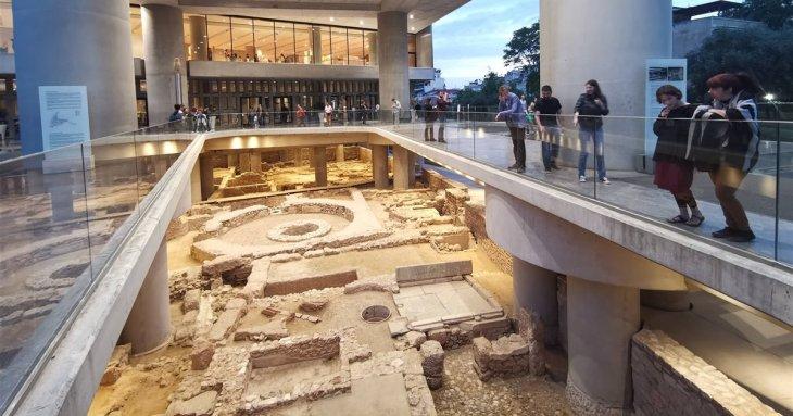 Una ciudad oculta bajo el Museo de la Acrópolis de Atenas