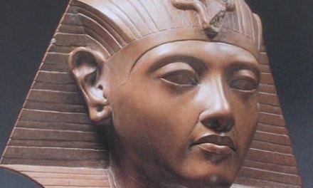 Hatshepsut, la primera mujer coronada Fari (Faraon –  dinastía XVIII )
